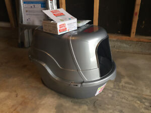 Cat Litter Box and Accesories