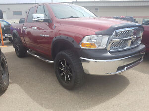 2012 RAM 1500 // LIFTED // QUAD CAB // V8 // 4X4 // REDUCED!