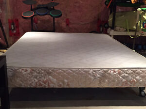 Double bed frame and box spring Kitchener / Waterloo Kitchener Area image 1