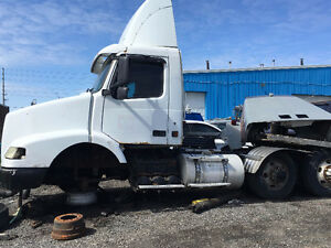 VOLVO TRUCKS FOR PARTS SALE!PICK WHICHEVER PART NEEDED!!
