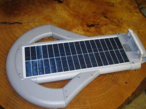 25 Watt Solar Courtyard Light