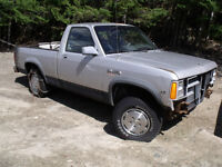 1988 Dodge Dakota 4x4-motor,tranny,transfer case-$400