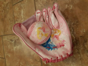 DISNEY BASEBALL GLOVE AND BALL / Gant baseball fillette