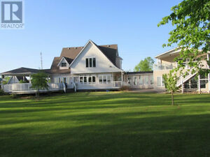 You Will Love This Prince Edward County Lake House