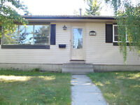 2 Bedroom Main floor Bungalow in Pineridge Available March 1