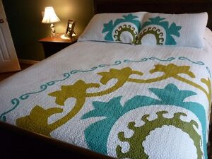 King Bead Spread and 2 Pillow Shams