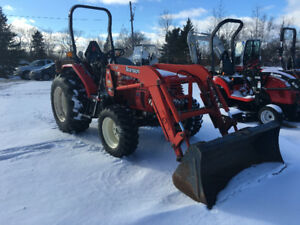 Used 31HP 4x4 With Front loader Only 850 hrs Very good condition