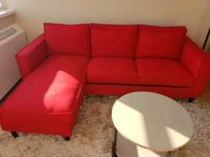 Interchangeable Red sectional/sofa (structube York)