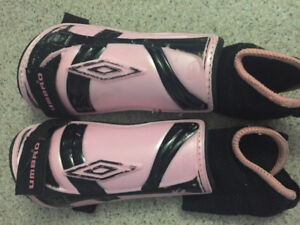Small junior shin pads