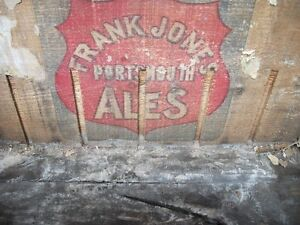 Frank Jones Portsmounth Ale wooden case