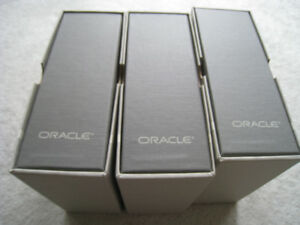 Oracle SQL Reference Manuals in Shrink-Wrap & Bookshelf Ready