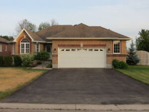 3 BR Brick Bungalow - Drumbo w Monthly Income Help pay Mortgage