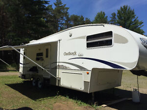29' Outback Bunk house  5th Wheel