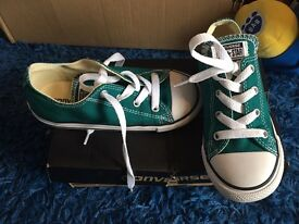 Green/teal converse infant size 10