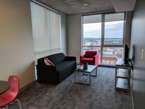 $858 Room in secure & clean student shared 2BR (Dec/Jan move in)