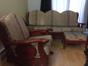 Set de salon à vendre ( prix négociable)