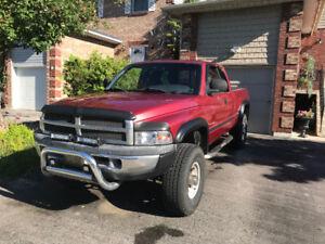 1999 Ram 2500 4x4 Cummins Diesel pick up