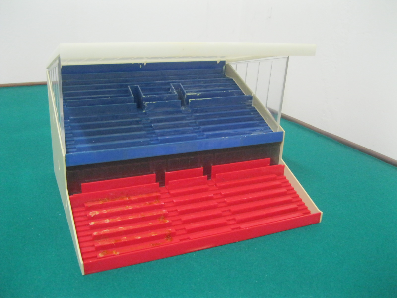 Subbuteo Red & Blue Grandstand Option 1