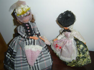2 French dolls in costumes