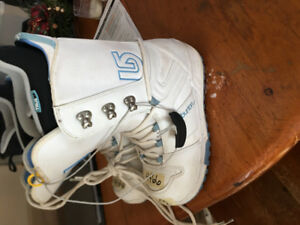 Burton Snowboard boots womans SZ 9 ...barely used