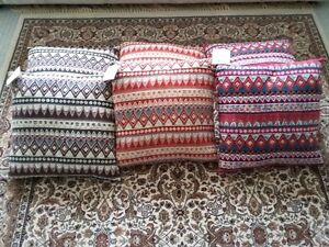 MULTICOLOR CUSHIONS PILLOWS (SET OF 6) - $75 FIRM London Ontario image 6