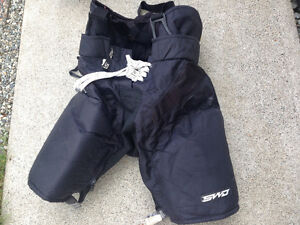 Hockey Gear; Mens Size Pants x2, 16 in Hin Pads x2, Elbow Pads x