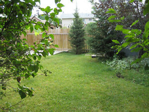**Duplex in Thickwood, across from greenbelt, must see!**