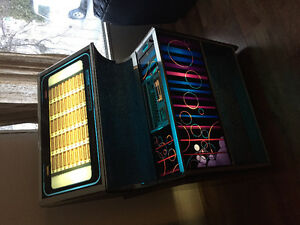 Rock-Ola 449 jukebox w/45's cool!