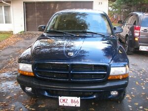 2003 Dodge Dakota crew cab Pickup Truck