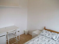 2x ***Stunning Double Rooms** Move in Today !!***