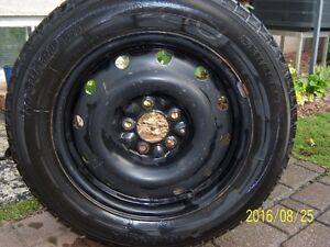 4 pneus et jantes 215 60 16 yokohama