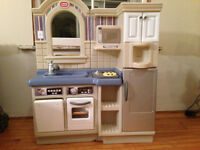 Little Tikes Kitchen with Dishes