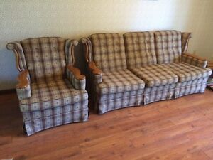ROXTON COUCH AND CHAIR