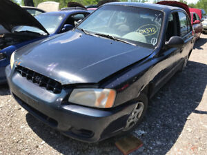 2002     Hyundai Accent** FOR PARTS ** INSIDE & OUTSIDE***