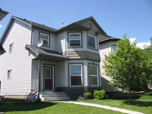 3 bdrm house, Crystal Shores,Okotoks-incl water/sewer & lake fee