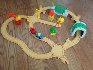 Fisher Price Flip Track 1992 Vintage - 71 pieces London Ontario image 3
