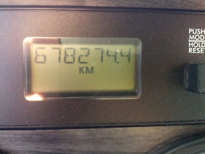 C -15 13 speed No DPF  678,274 kilometre cert / clean air Kawartha Lakes Peterborough Area image 4