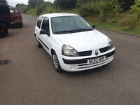 Renault Clio 1.2 16V- 12 Months MOT, Low Miles at 95K, RCL,EW, Aftermarket radio with USB input.