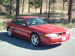 1995 Ford Mustang GT Coupe (2 door)