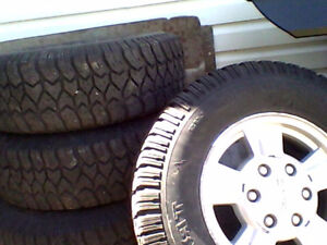 LT235/75R15  TRACTION KING