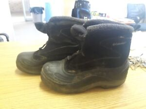 Male Sz 7 Columbia Boots -Like New