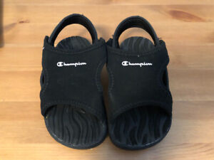 New Toddler Sandles Size 8