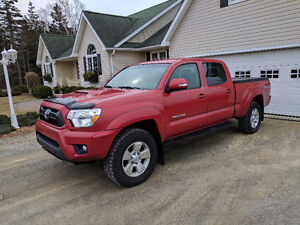 2014 Toyota Double Cab 4WD Tacoma Pickup Truck