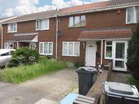 2 bedroom house in Beaulieu Close, Hounslow, TW4