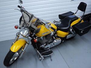 A qui la chance   Honda VTX 2008 prix réduit!