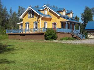 Belle maison de campagne de style canadienne à louer