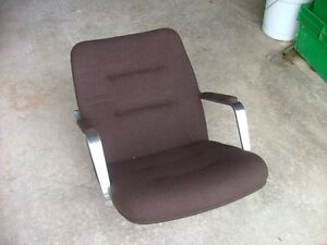 Marine boat captain chair seat