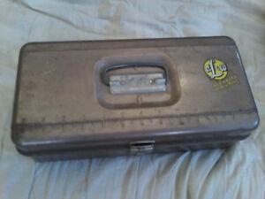 AL&W Tackle Box Vintage