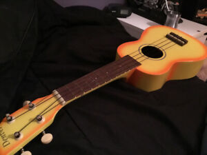 Ukulele mint condition sale!