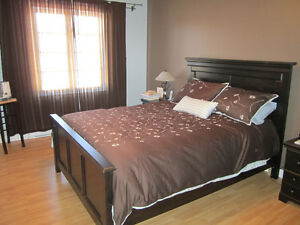 Queen size bedroom set for sale